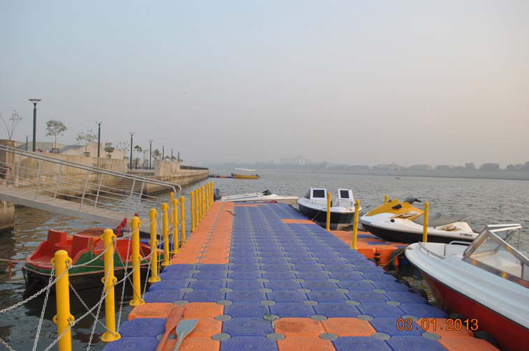 Marina at Sabarmati River Waterfront – Jan 2013